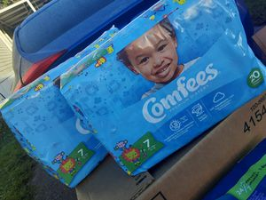 Comfees diapers for boys or unisex for Sale in Alafaya, FL