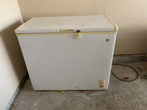 Medium Chest Freezer for Sale in Hawthorne, CA