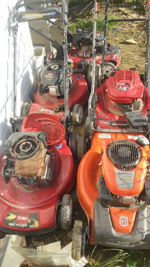 Lawn mower arreglo maquinas for Sale in Adelphi, MD