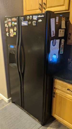 Amana side by side fridge, microwave, stove, dishwasher for Sale in Gilbert, AZ