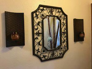 Beautiful foyer table decor for Sale in Phoenix, AZ