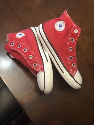 Converse size 10 like new 👦kids for Sale in Raleigh, NC