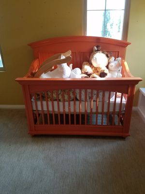 Stanley furniture baby cribs from Pottery Barn Kids for Sale in Fullerton, CA