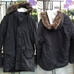 ASOS men's fur lined Sherpa parka jacket size L for Sale in Waterbury, CT