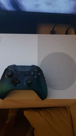 Perfect condition adult owned xbox one s for Sale in Phoenix, AZ