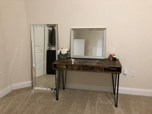 Beveled mirror set for Sale in Cleveland, OH