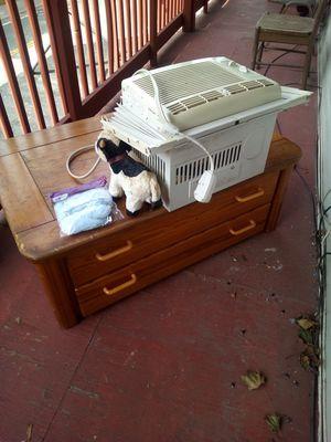 Soild Oak coffee table antique for Sale in Woonsocket, RI