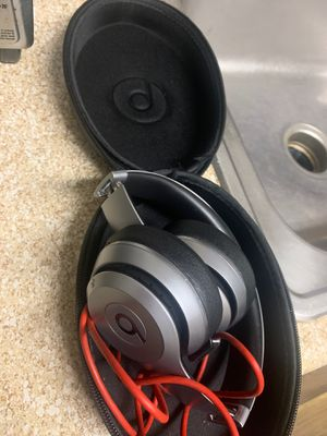 Wireless beat by Dre. Original charger and case. Barely used for Sale in Doraville, GA
