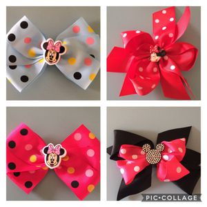 Lot of Large Minnie Mouse Bow Hair Clips for Sale in Chula Vista, CA