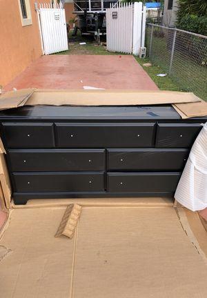 Brand new dresser in box! for Sale in Hialeah, FL