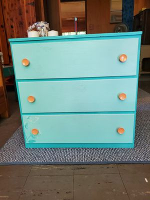 Small dresser for Sale in West Mifflin, PA
