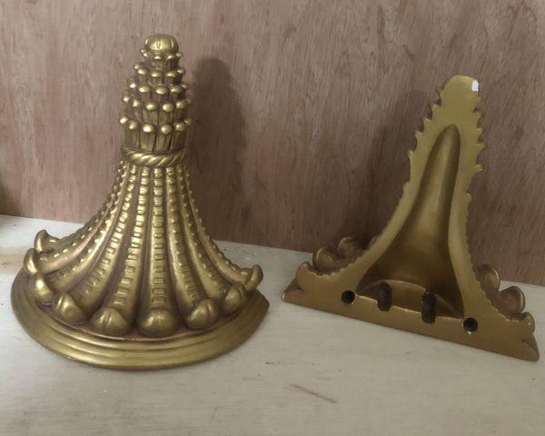 2 pairs gold cornel shelf wall decor