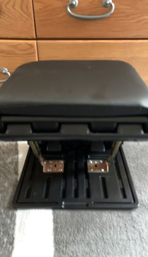 Small stool for Sale in Puyallup, WA