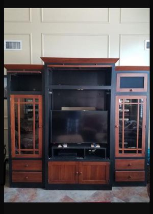 CENTRO DE ENTRETENIMIENTO 👇👇👇LEA PORFAVOR for Sale in Houston, TX
