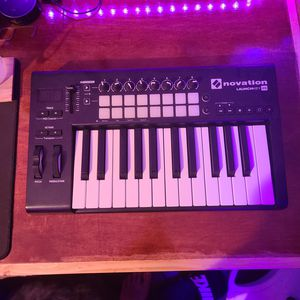 Novation Launchkey 25 for Sale in Sweetwater, TN