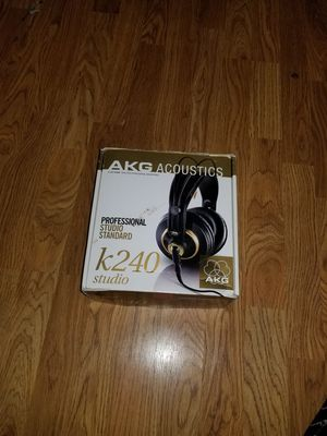 AKG ACOUSTICS K240 PROFESSIONAL STUDIO HEADPHONES for Sale in Knoxville, TN