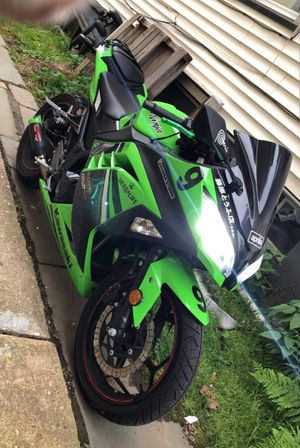 Kawasaki ninja 300 special addition for Sale in New Brunswick, NJ