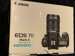 Canon EOS 7D Mark II (G) 18-135 IS STM Lens 20.2 MP BRAND NEW for Sale in Miami, FL