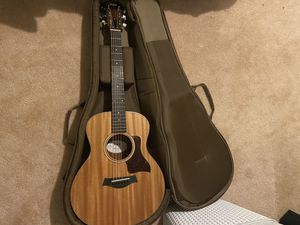 Taylor GS mini Mahogany Acoustic Guitar for Sale in Fremont, OH
