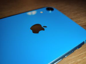 Iphon XR in Blue with 128 GB Gigabytes Unlocked for Sale in Riverside, CA