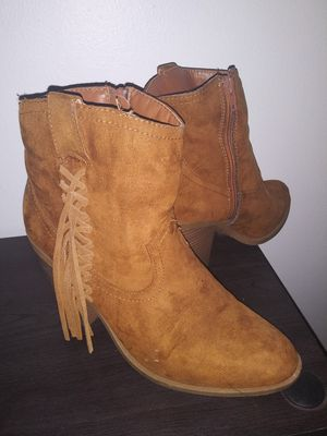 Tan Suede Boots Size 8 | 8.5 for Sale in Gardena, CA