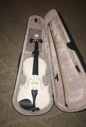 White violin with case and bow works great no rosin. for Sale in Alexandria, VA