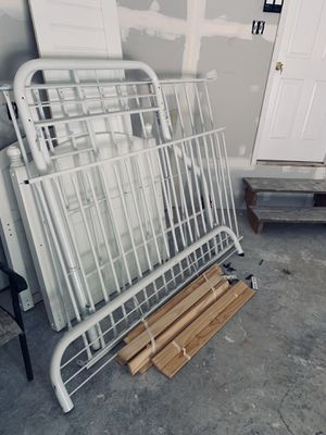 Bunk bed and twin bed. for Sale in Accokeek, MD