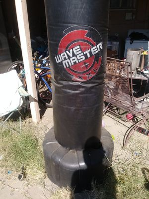 Wave master punching bag for Sale in La Puente, CA