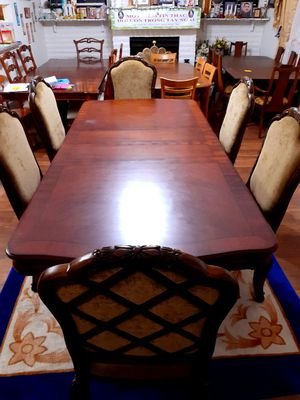 🍅🌿Dining room table with 6 chairs. Good condition . Table have 2 leaves. 🍅🌿 for Sale in Houston, TX