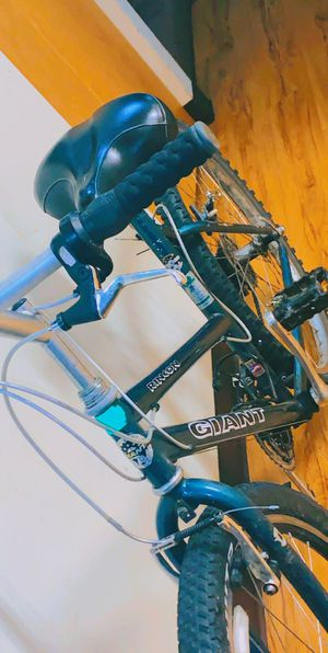 Giant ringon mountain women's bike for Sale in Vancouver, WA