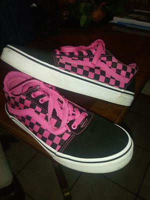 Pink checkered vans size 5 for Sale in El Paso, TX