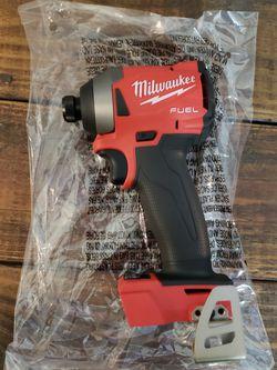 Milwaukee Fuel Impact Driver 🛑PRECIO FIRME NADA MENOS for Sale in Houston,  TX