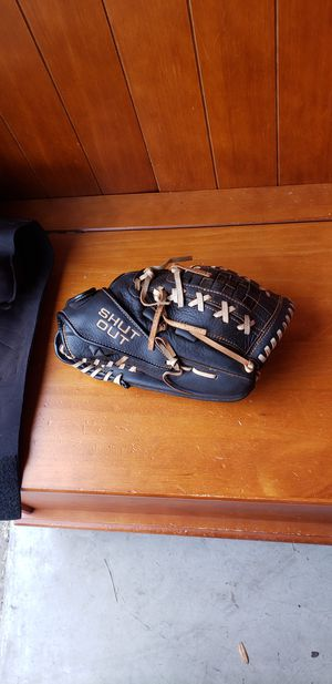 Softball glove for Sale in North Las Vegas, NV