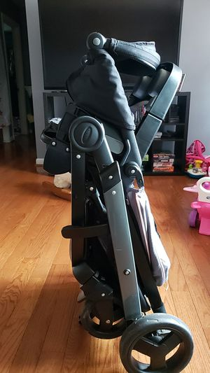 Graco Modes Stroller with Car seat for Sale in Hyattsville, MD