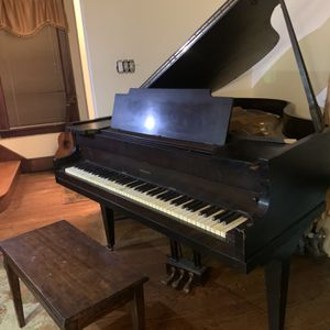 Lyon & Healy Baby Grand Piano for Sale in Troy, MI
