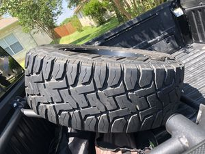 Toyo Open Country R/T 286/65r18 just tires no rims for Sale in Sioux Falls, SD