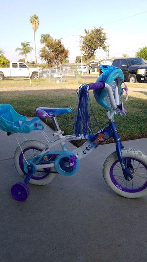 Huffy Disney Frozen bike with helmet for Sale in Santa Fe Springs, CA