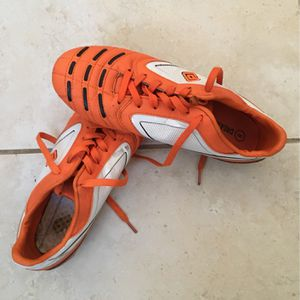 Proffesional Soccer Cleats Size 8 for Sale in Fort Lauderdale, FL