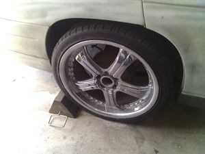 20 chrome universal rims for Sale in Las Vegas, NV