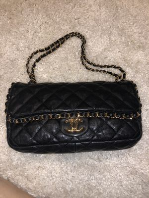Authentic Chanel Chain Me Purse $1850 for Sale in Los Angeles, CA