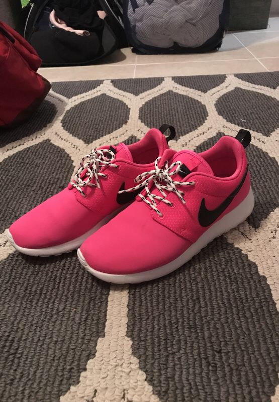 ca0730aab31bb Hot Pink Nike Roshes (Super Specials - Youth) for Sale in Norcross ...