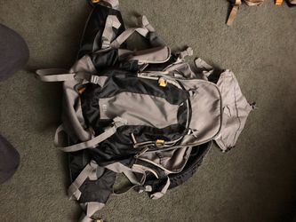 Large 33L hiking backpack for Sale in Hesperia,  CA