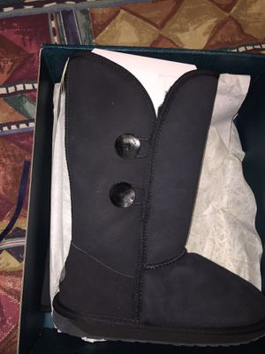 Brand new EMU women's 9 boots for Sale in Union City, GA