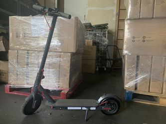 350W Motor Speed 15.8 MPH Long Rang up mto be 18 Miles Electric Scooter for Sale in Diamond Bar,  CA