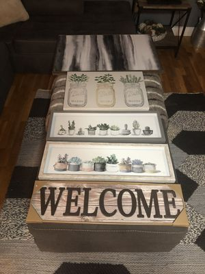 Wall Decor/Signs Lot for Sale in Edgewood, WA