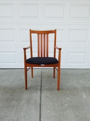 Beautiful Mid century modern style chair for Sale in Irvine, CA