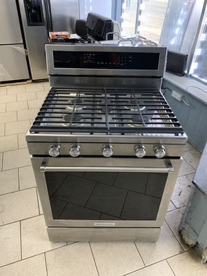 Kitchen aid gas stove for Sale in Dearborn Heights, MI