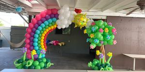 Beautiful balloon . Arch for Sale in Los Angeles, CA
