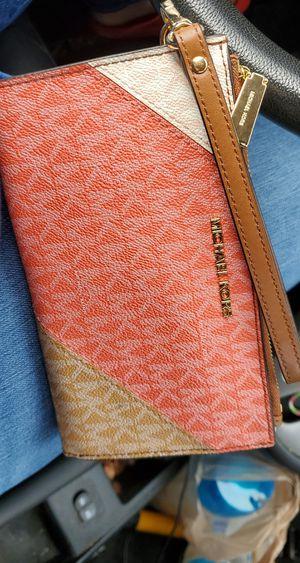 Michael Kors Smartphone Wallet for Sale in Renton, WA