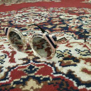 FENDICat-Eye Sunglasses (Excellent Condition) for Sale in Hyattsville, MD